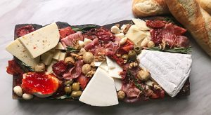 3 easy steps to a homemade cheese board
